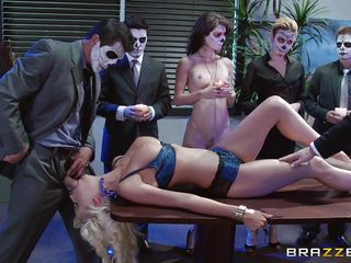 Секс на работе порно реальное