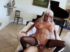 Жесткое порно видео крупным планом