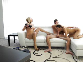 Порно рассказ маленькая шлюха