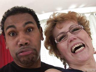 Порно актрисы бабушки